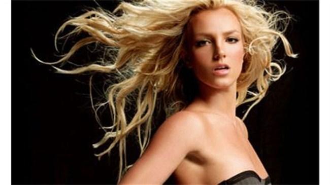 Britney parayla aşk istiyor